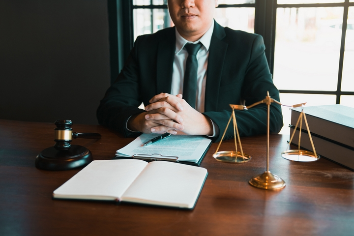 4 Questions to Ask Before Hiring a Business Lawyer
